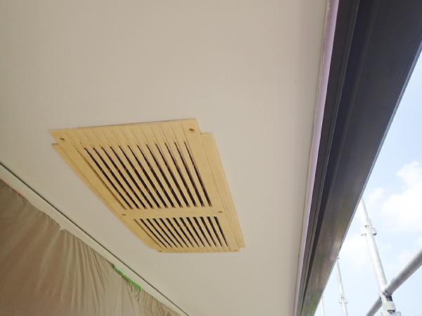 耐久性に優れた軒天、換気口があることで湿気や結露にも強い