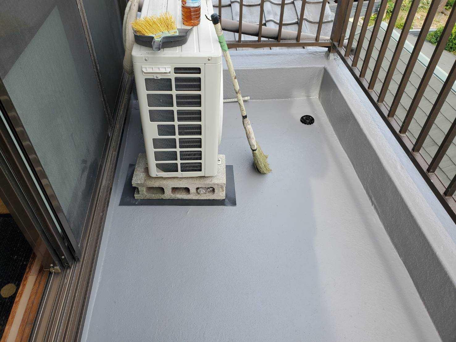 守口市 ベランダから雨漏り!FRP防水の工事をさせて頂きました。