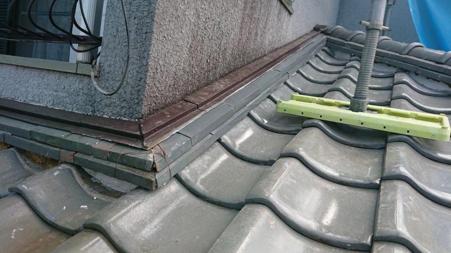 壁際の雨漏り補修工事完了です。