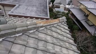 台風で飛散した棟瓦部分を補修します。