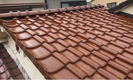 片屋根柿茶瓦葺き替え工事完了写真