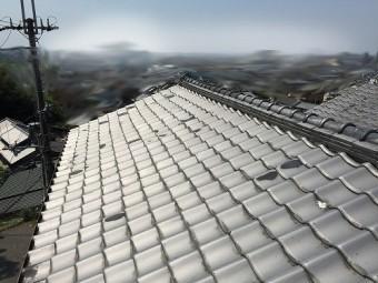 いぶし和型瓦屋根全景です。
