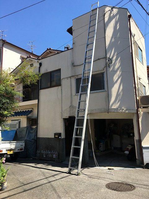 屋根点検時、梯子設置