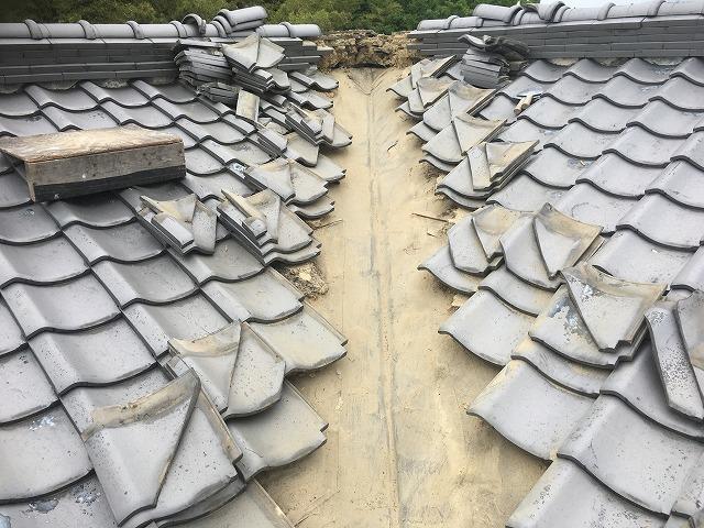 谷際瓦下屋根土処分