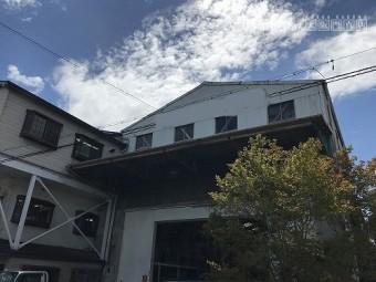 工場の建物全景