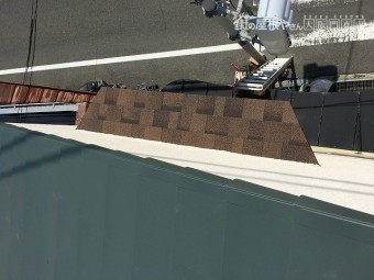 シール状の屋根材で新しくなりました