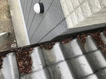 軒先は落ち除けネットを設置済み