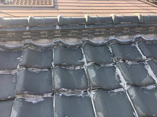コーキングが塗られた屋根