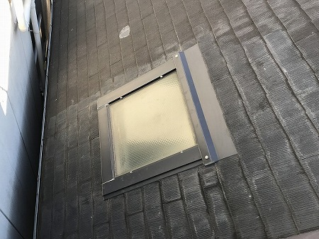 屋根の北面には天窓があります。