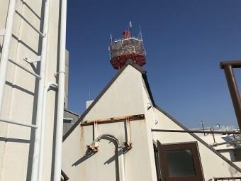 最上部にはとんがり屋根があります。