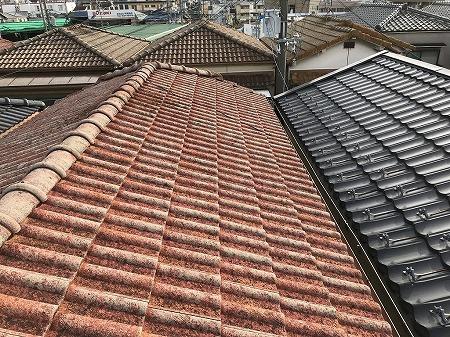 屋根にはモニエル瓦が葺かれてます。