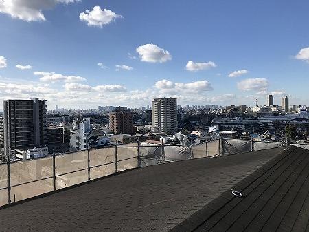 屋根から大阪市内が一望です。