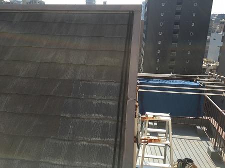 大阪市 8階建てマンション屋根の雨漏り対策に板金工事行いました。
