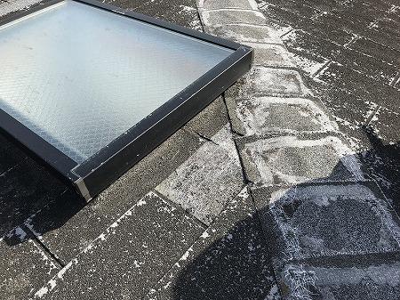 雨漏りを起こしている天窓部分です。