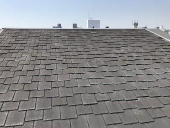 屋根材はアーバニーです。