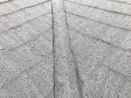 谷部は更にコテコテに防水材を塗られております。