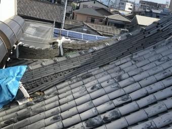 茨木市 お寺の屋根、降棟のズレ