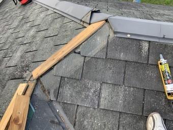 隅棟の割れは先に外した本体を再利用しました。