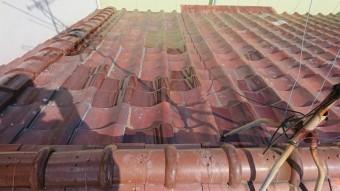 凍害瓦の交換、冠瓦の取り直しが完了です。
