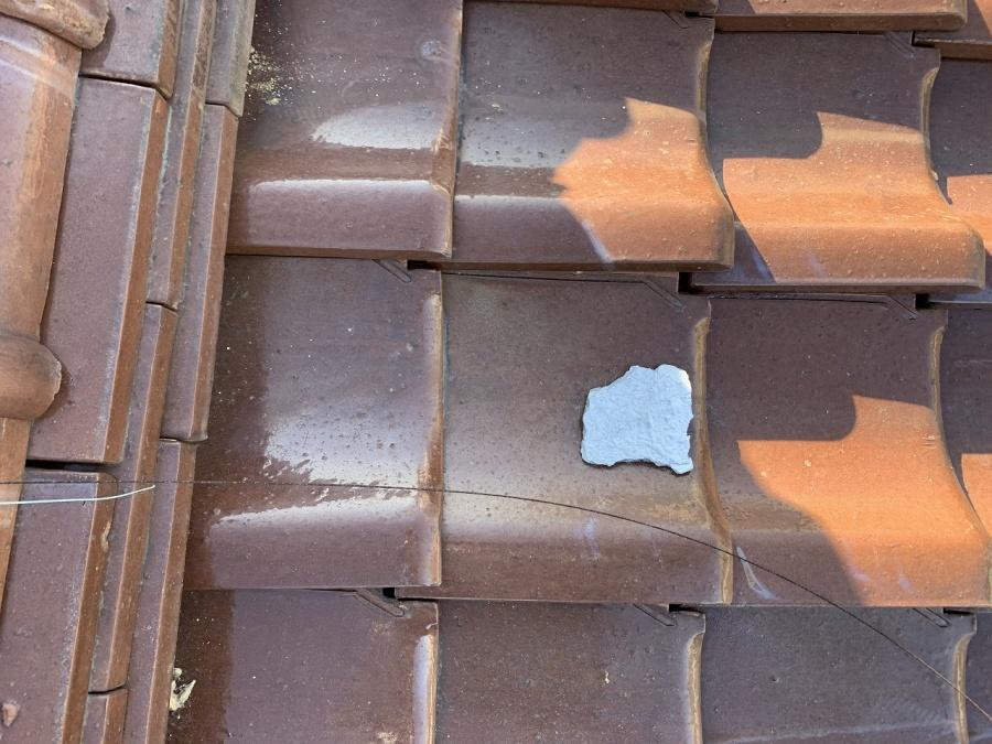 漆喰剥がれ、地瓦の浮
