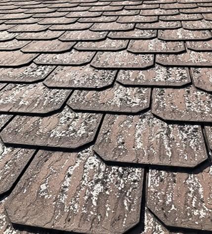 屋根材の塗膜剥がれ