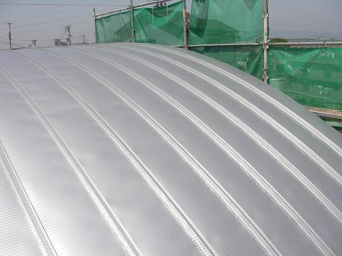 半円形屋根の瓦棒葺
