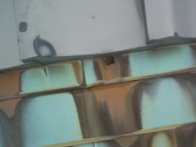 穴あき銅板