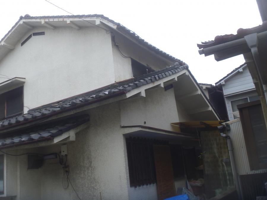 屋根・壁おちかけ