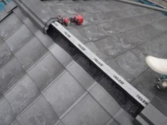 棟も完全乾式工法で、メタルロールを使用します。