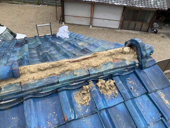 門真市 台風被害にあった青緑瓦の棟部分