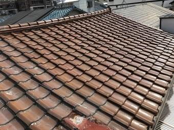 屋根は繋がった一つの屋根です。