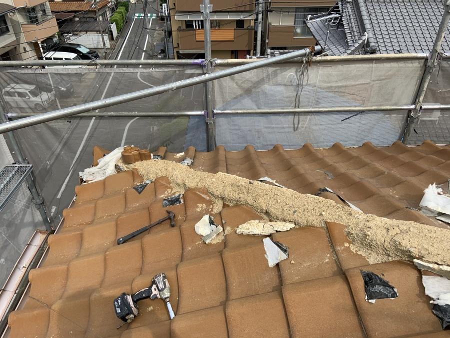 寝屋川市 梅雨入り前の雨漏り対策、屋根瓦の修理を行いました。