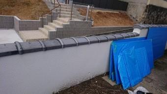 塀瓦ほ補修工事が完了しました。合計7枚の交換です。